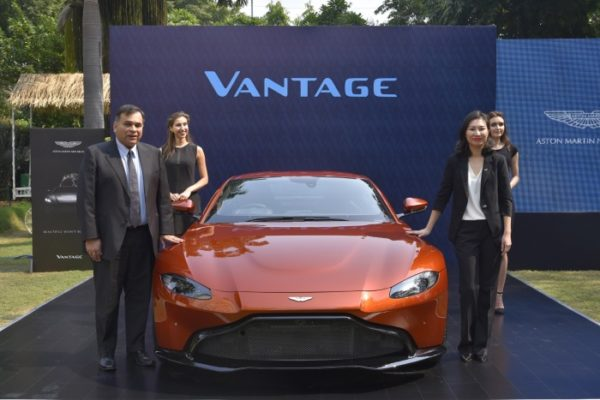 Aston Martin Vantage launch doors closed