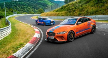 Jaguar_XE_SV_Project8_RaceTaxi_02 (1)