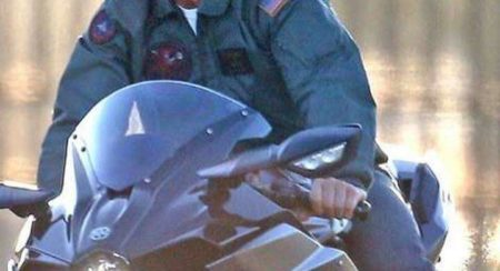 Kawasaki H2 Tom Cruise rolling side