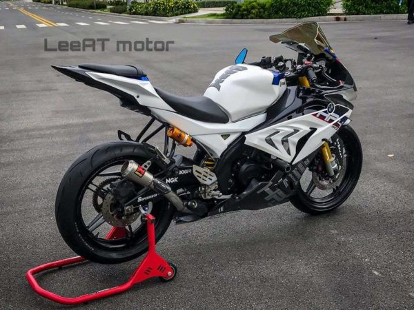 Yamaha R15 V2 To BMW HP4 Race Transformation (2)