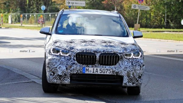 BMW X1 Facelift Spy Shot exterior front new headlamp design