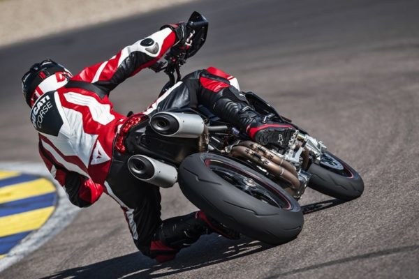 2019 Ducati Hypermotard rear lean