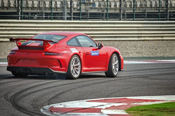 911 GT3 sets lap record 2
