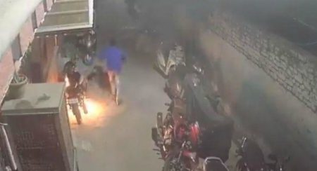 Video: This Drunk Man Burnt 18 Vehicles Instead of Crackers This Diwali