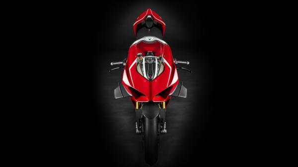 Ducati Panigale V4R Top studio