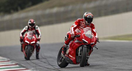 Ducati Panigale V4R slide