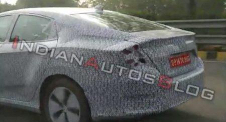Honda Civic 2019 Spied rear quarter