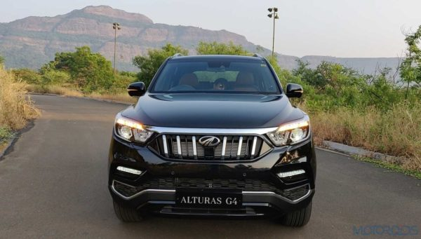 Mahindra Alturas G4 Front head on