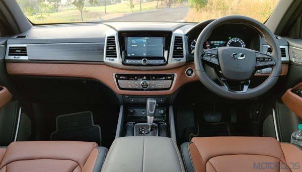 Mahindra Alturas G4 cockpit