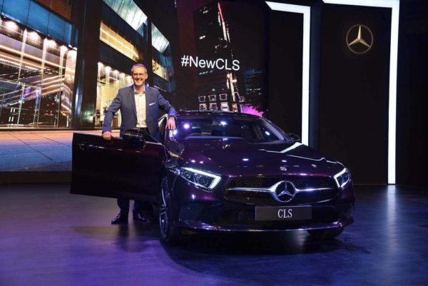Mercedes Benz CLS 300d Door open (2)