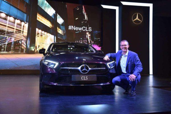 Mercedes Benz CLS front low. (1)