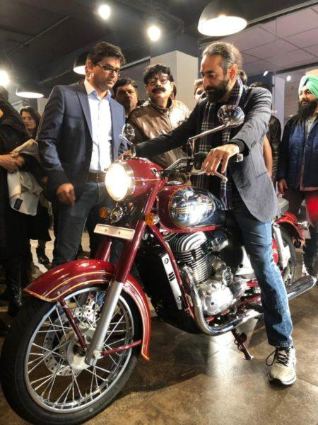 Jawa opens showrroms in delhi NCR Jawa bike
