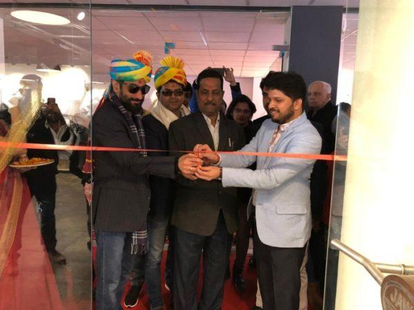Jawa opens showrroms in delhi NCR ribbon cut