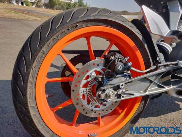 KTM Duke 125 review rear wheel