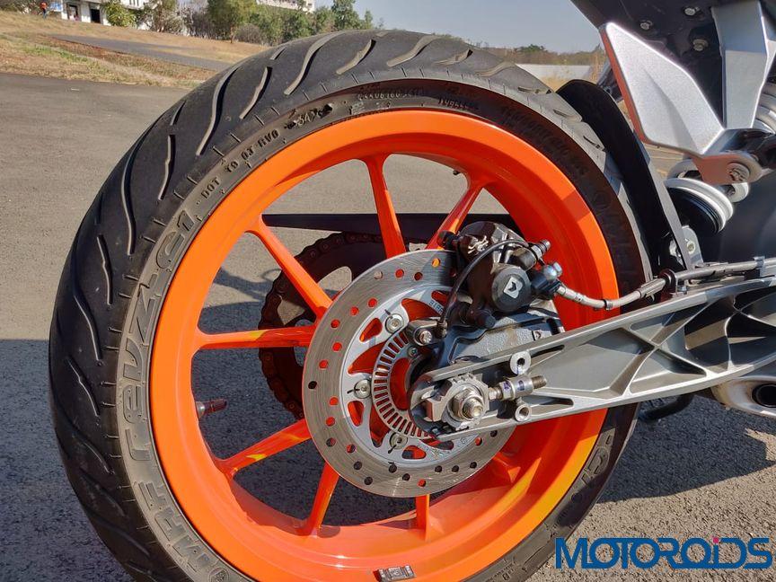 KTM Duke 125 review rear wheel