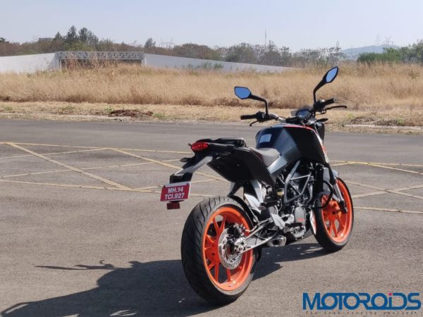 KTM Duke 125 review rear quarter close