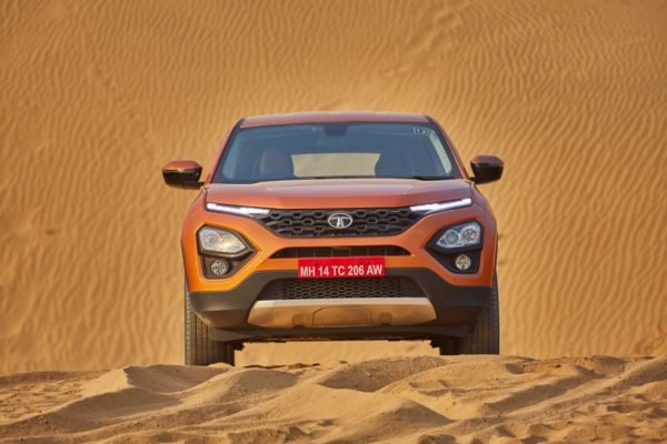 Tata Harrier Head on(1)