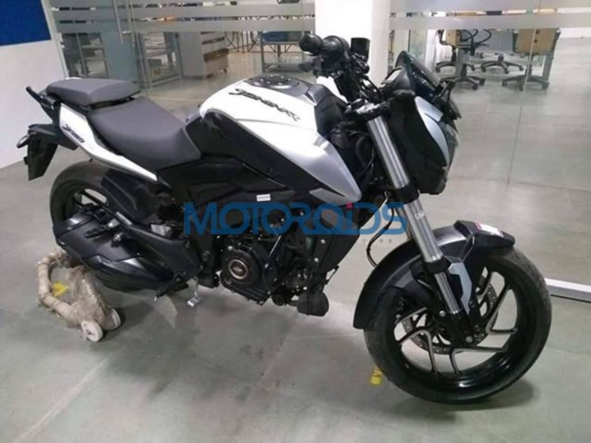 2019 Bajaj Dominar spied featured