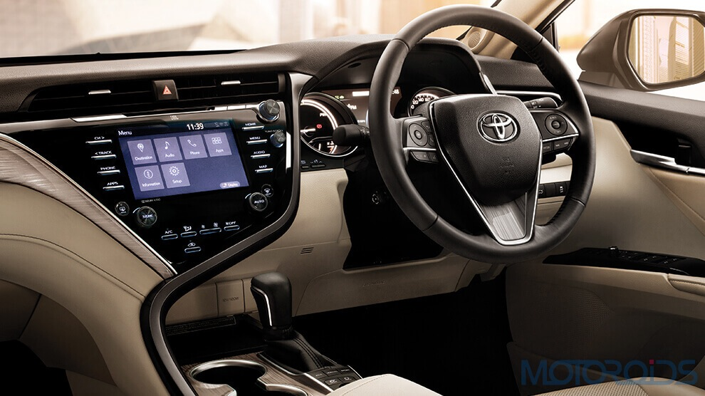 2019 Toyota Camry Hybrid India airbags big (6)