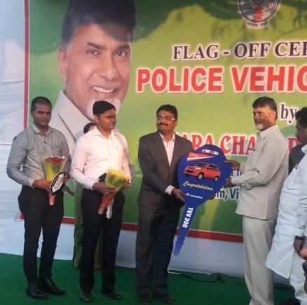 Andhra Pradesh police gets TUV 300 handover