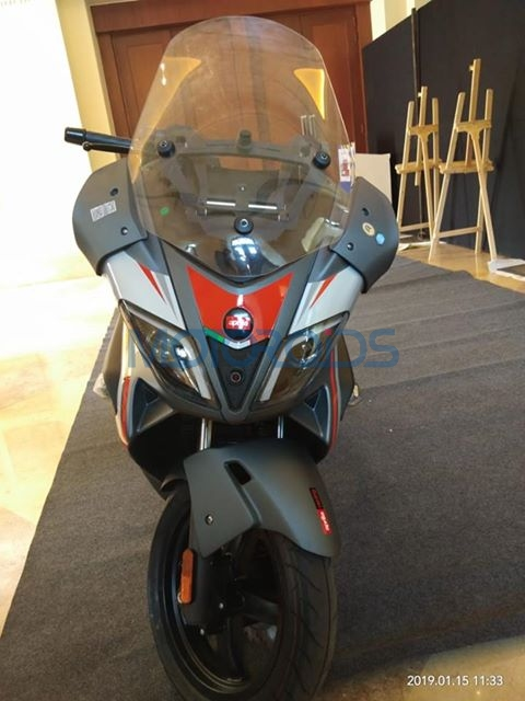Aprilia SR Max 300 Spotted In India (2)