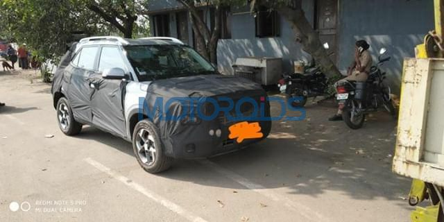 Hyundai QXi Spyshot fron quarter