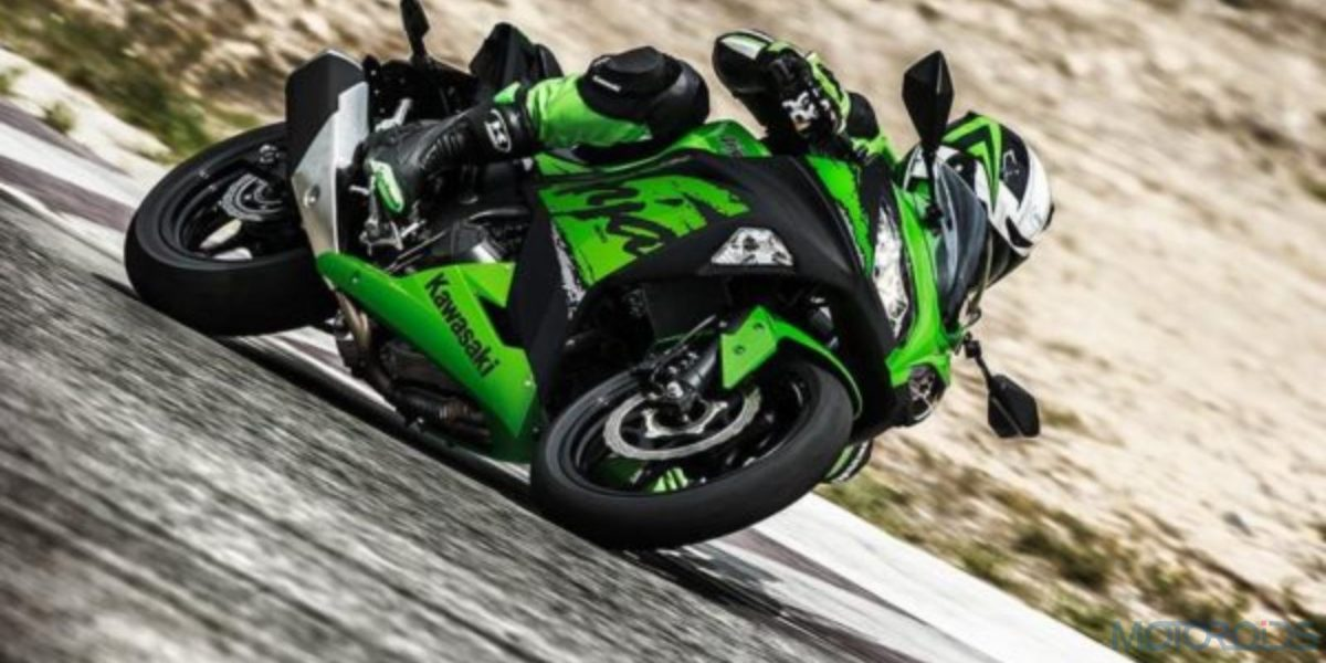 Kawasaki Ninja 300 ABS 1600×900