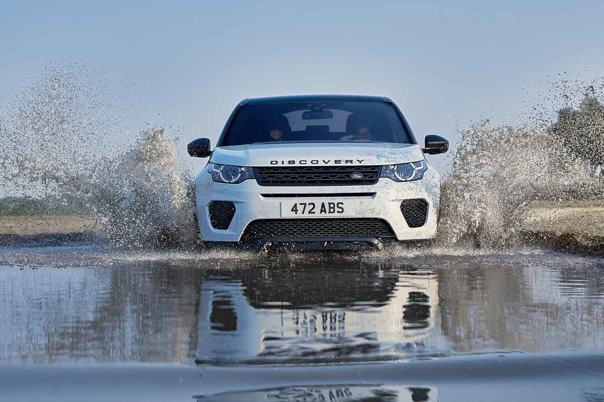 Model Year 2019 Land Rover Discovery Sport Landmark Edition_01