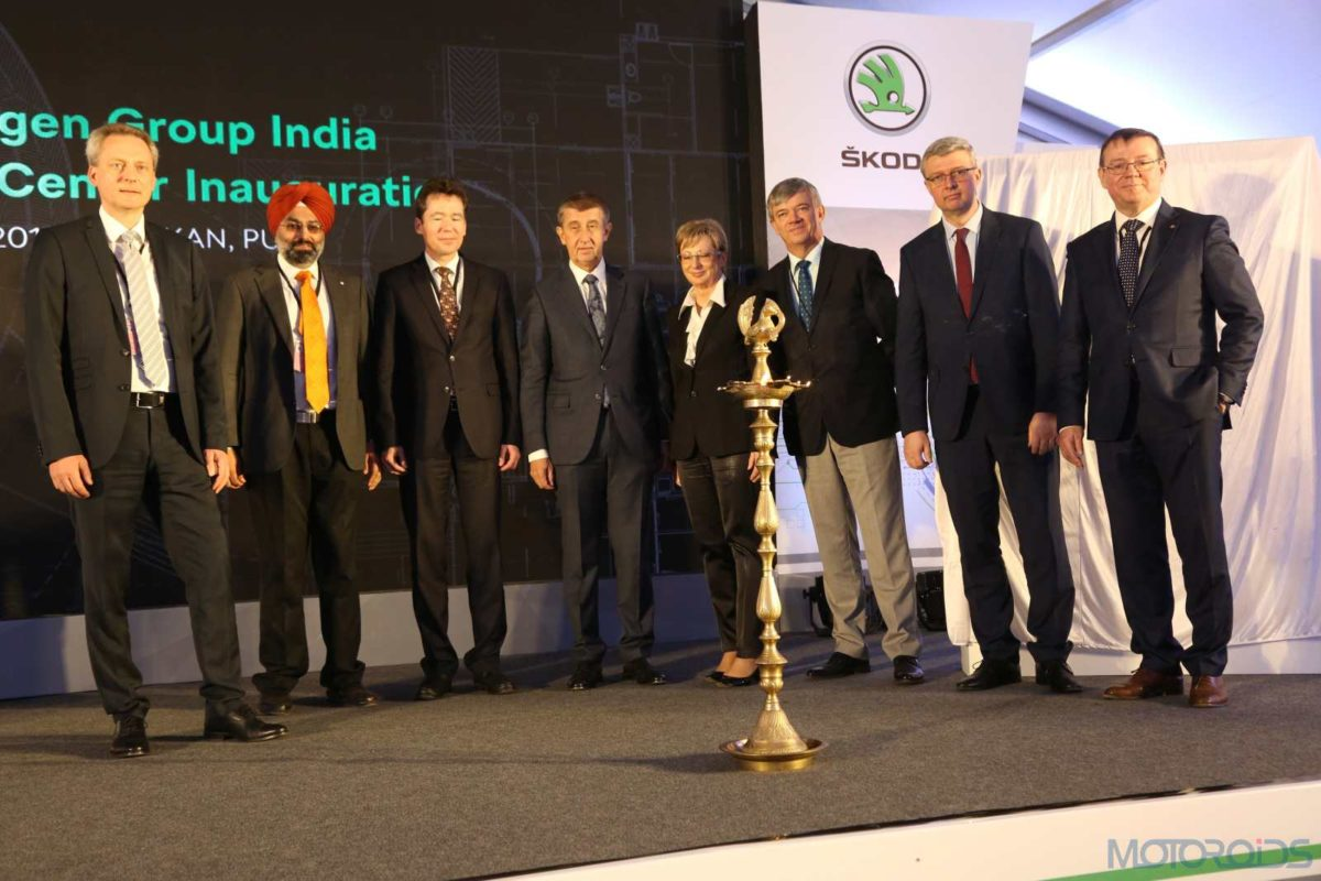 Mr. Gurpratap Boparai, Head, Volkswagen Group India with H.E. Mr. Andrej Babiš, Czech Prime Minister and other represenatives from Czech Republic delegation and Skoda