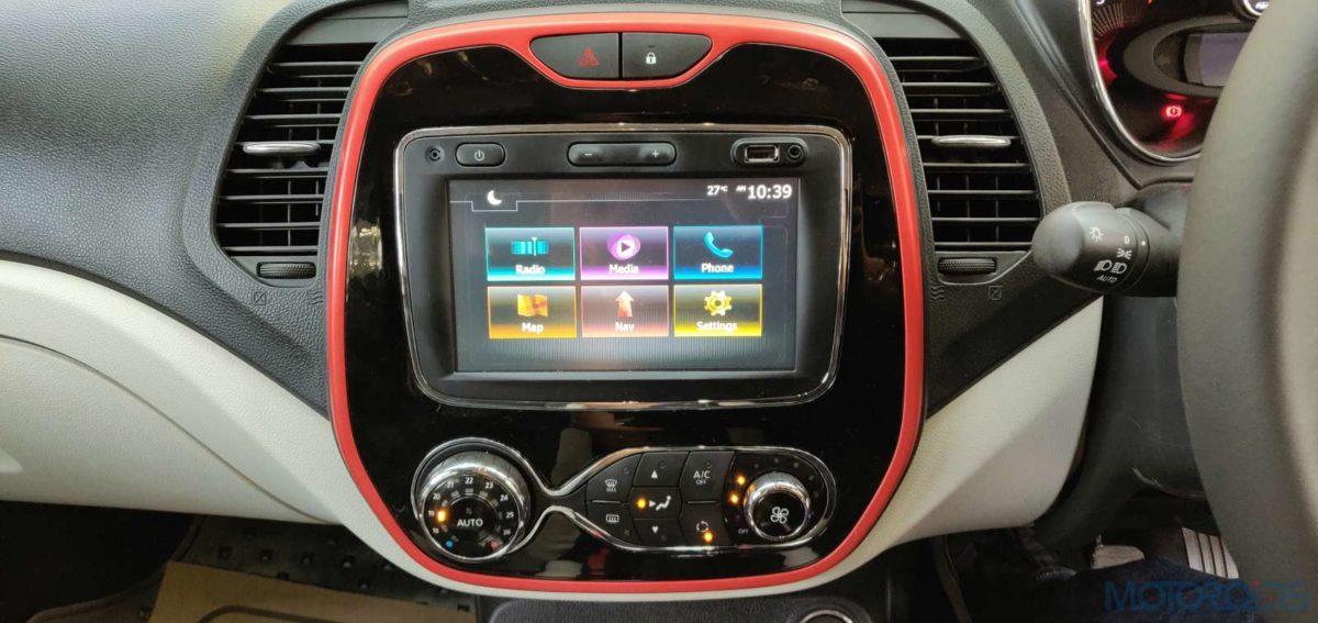 Renault Captur Petrol Infotainment system