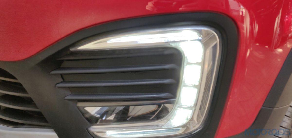 Renault Captur Petrol LED DRL