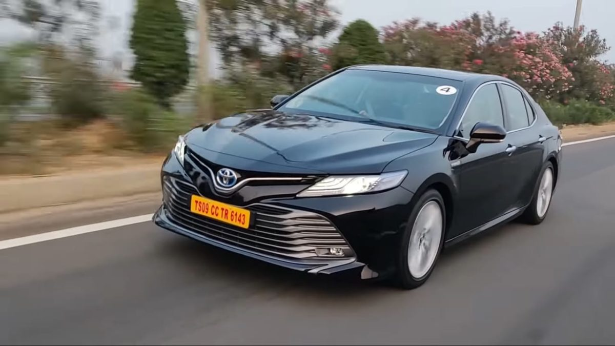 Toyota Camry Hybrid Review front quarter