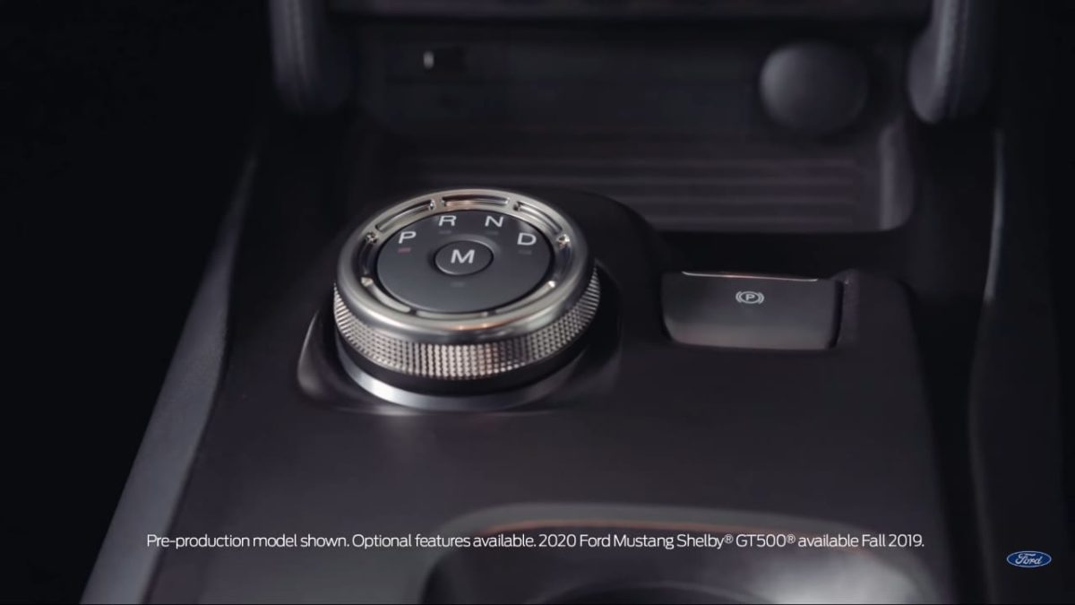 2020 Ford Mustang Shelby GT500 gear knob