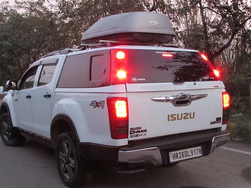 Azad 4×4 steel canopies for Isuzu pickup trucks (10)