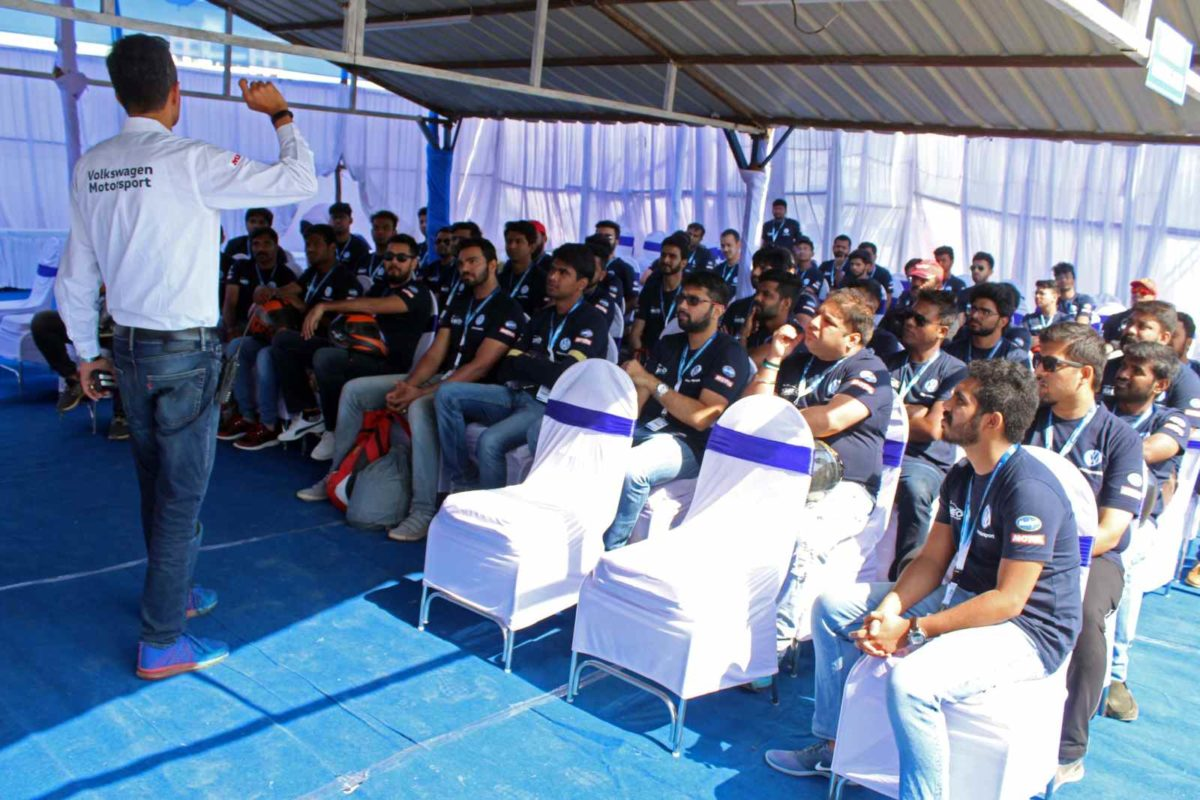 Driver coach Rayomand Banajee takes the Ameo Cup 2019 Drivers' Selection participants through theory lessons (1)