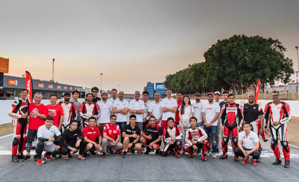 Ducati DRE trainer group picture
