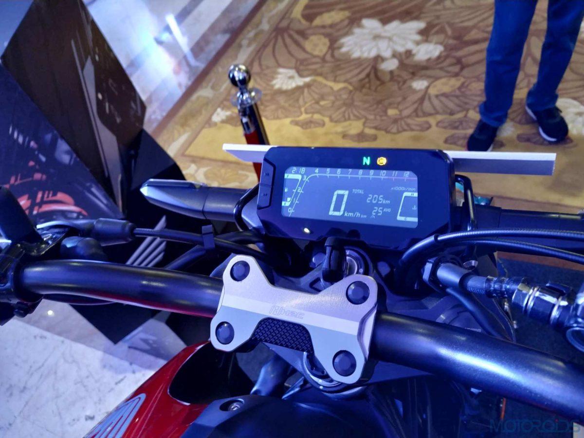 Honda CB300R India instrument cluster(10)