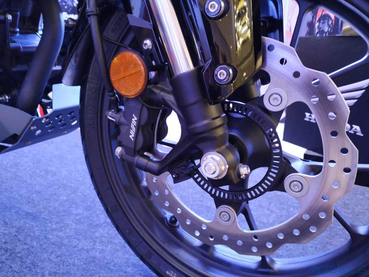 Honda CB300R India radially mounted front disc brake (4)