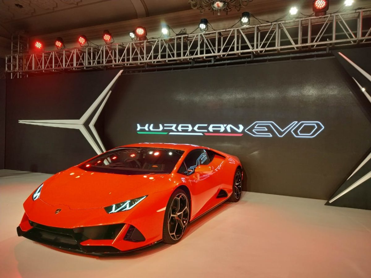 Huracan Evo Launch quarter