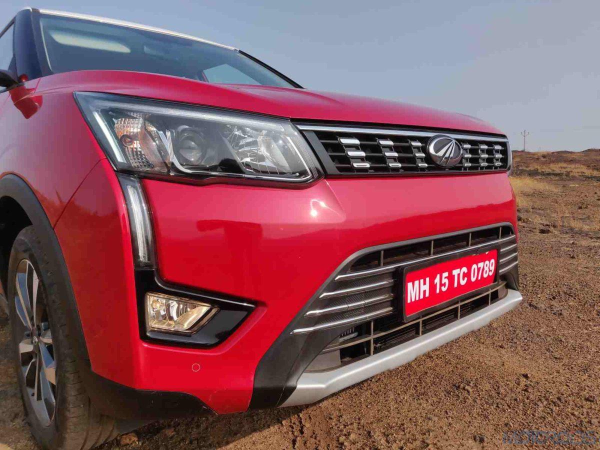 Mahindra XUV 300 W8 Diesel RHS headlamp and DRL(127)