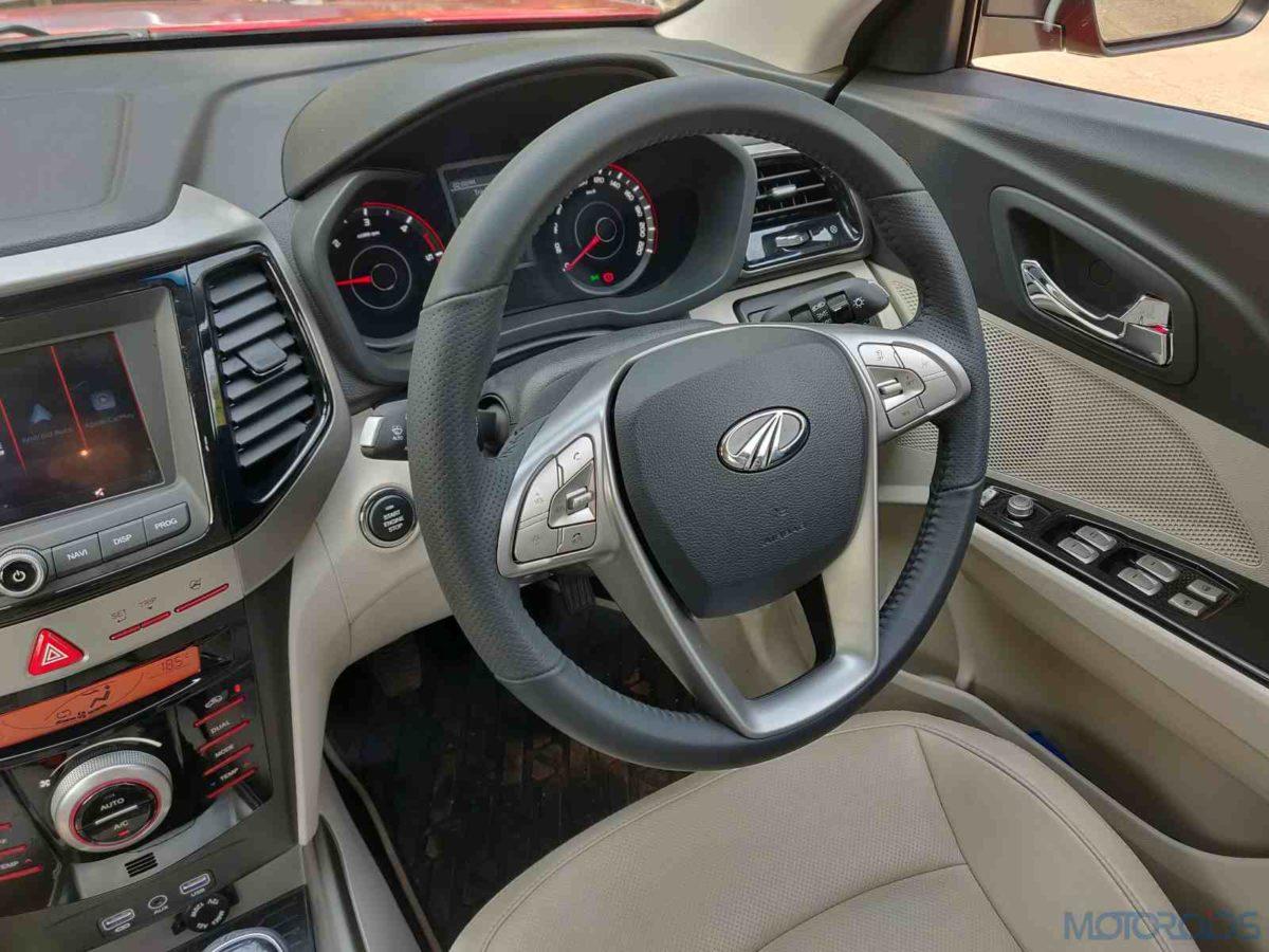 Mahindra XUV 300 W8 Diesel driver side cokpit (55)