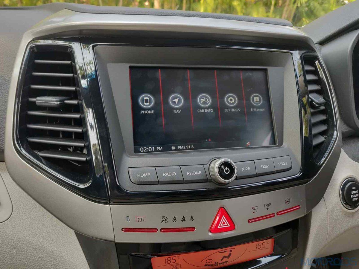 Mahindra XUV 300 W8 Diesel infotainment display(58)