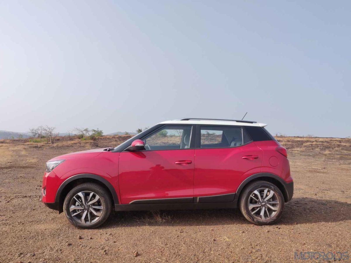 Mahindra XUV 300 W8 Diesel side profile(16)
