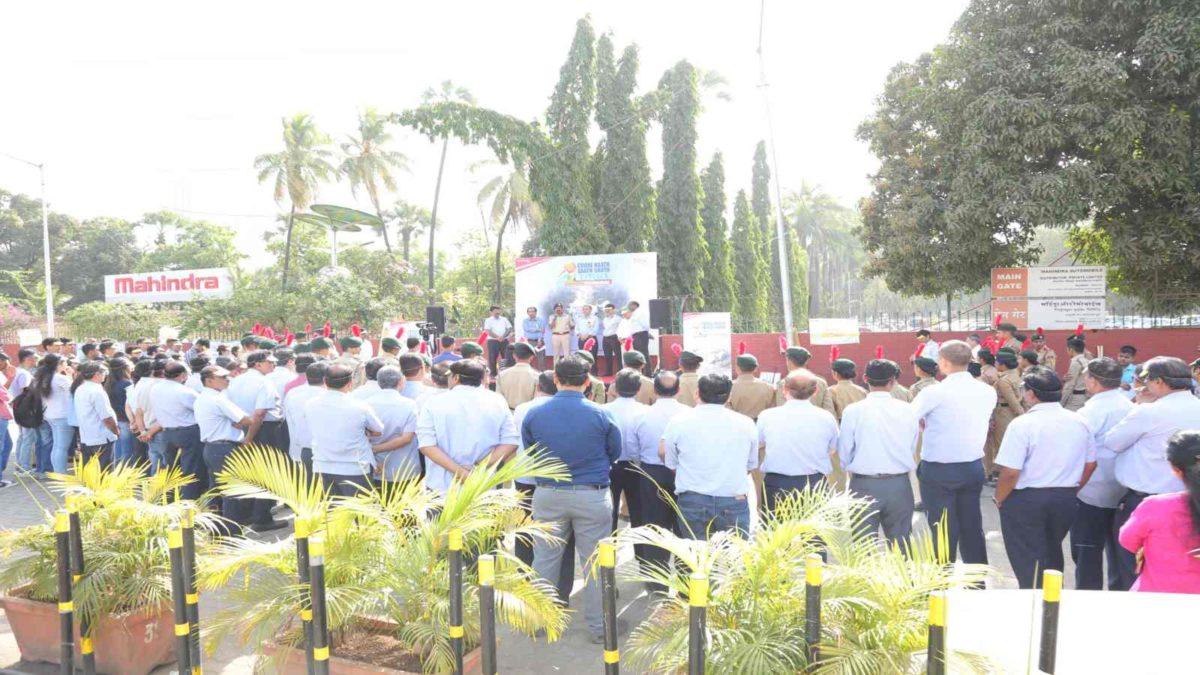 Mahindra reiterates commitment toward Road Safety with #1CroreHaathSaathSaath – Picture 01 (1)