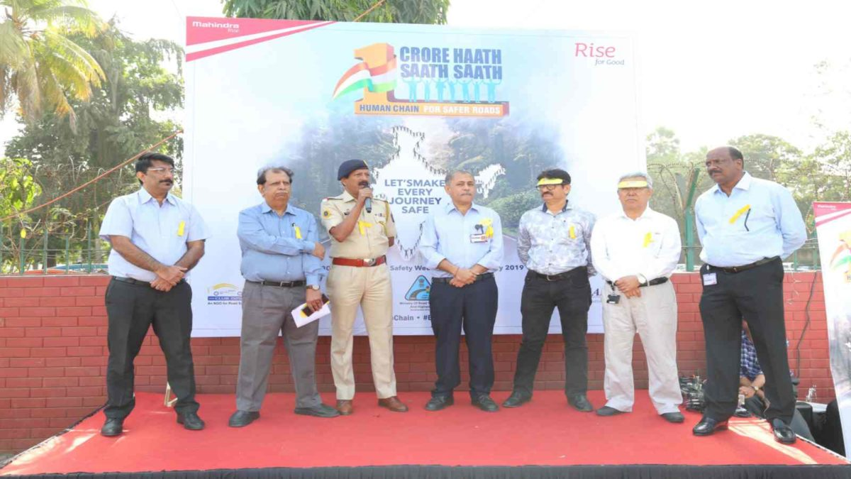 Mahindra reiterates commitment toward Road Safety with #1CroreHaathSaathSaath – Picture 02 (1)