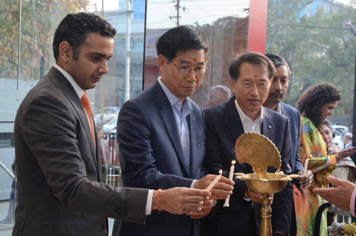 Rohan Talwar of Allied Motors, Mr. Kookhyun Shim, MD CEO, Mr. Yong S Kim, Executive Director, Mr Manohar Bhat, Head Sales & Marketing of Kia Motors India