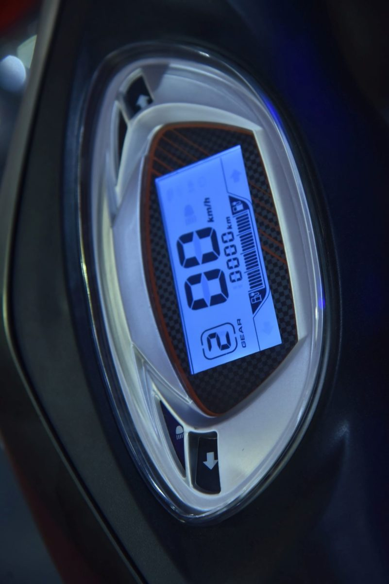 Avan Motors Trend E instrument console