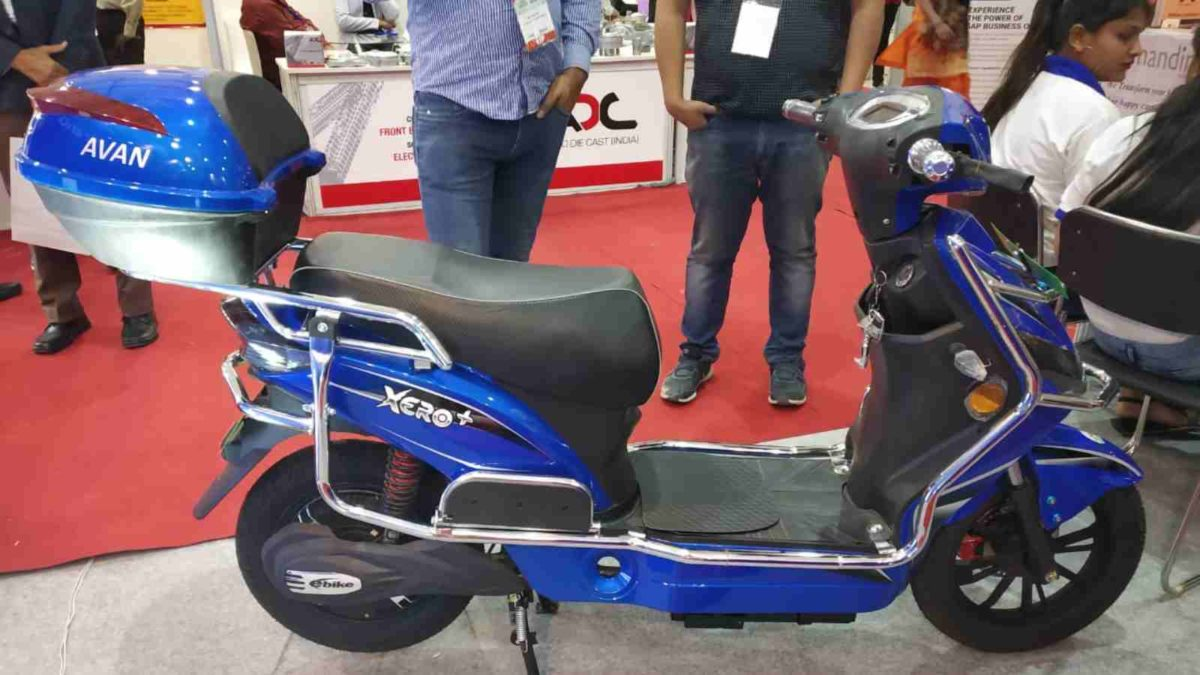 Avan Motors Xero+ blue side