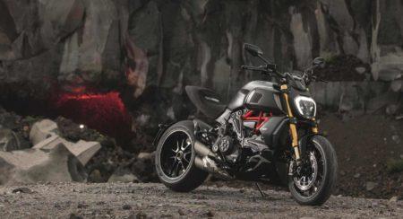 Ducati Diavel 1260 front quarter
