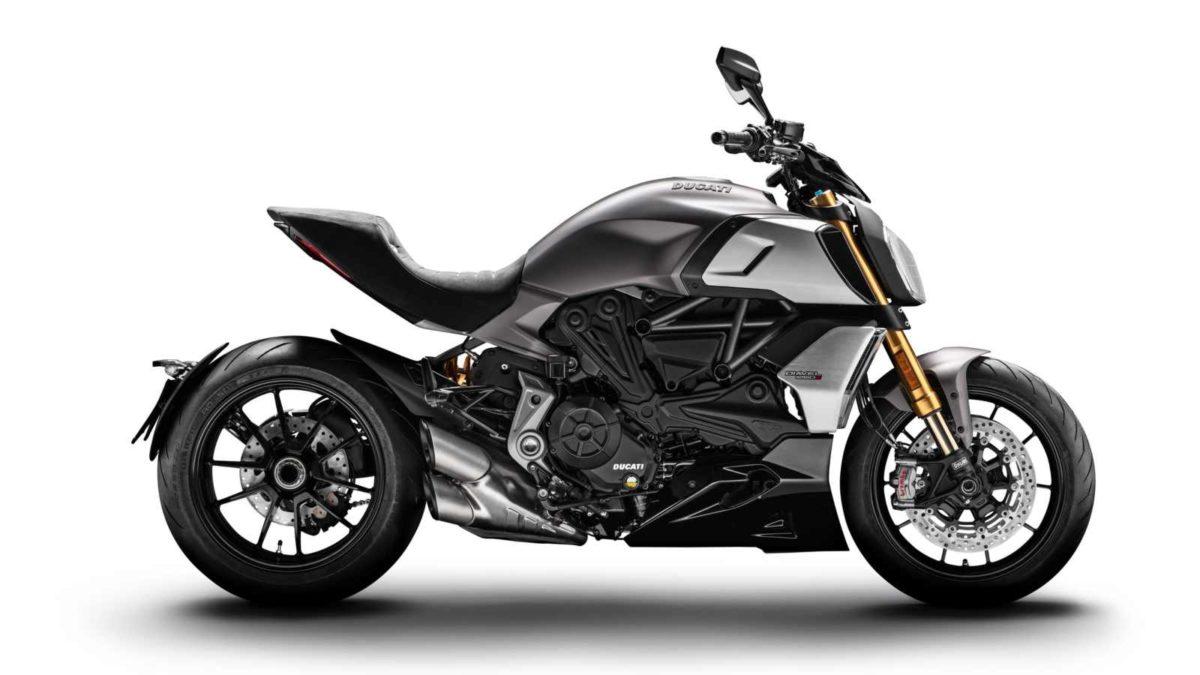 Ducati Diavel 1260 side profile
